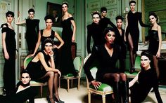 #ThrowbackThursday: The girls of Atelier Versace, photographed by #MarioTestino in Paris in 1991. Now, that is #squadgoals.atelierversace,fashion,mariotestino,throwbackthursday,models,vintage,versace,tbt,thefifthcollection,supermodels,squad,squadgoals