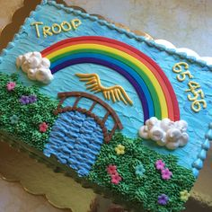 Girl Scout Bridging Ceremony Cake Girl Scout Bridging, Girl Scout Juniors, Girl Scouts, Cake Decorating, Cake Ideas, Girl Guides