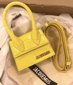 Luxury Purses, Luxury Bags, Luxury Handbags, Designer Handbags, Jacques A Dit, Fashion Bags, Fashion Shoes, Jacquemus Bag, Cute Purses