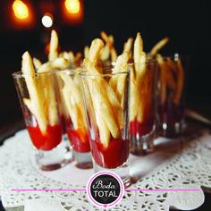 ¿Quién dijo que lo informal no es aceptable? Conoce la manera chic y divertida de organizar un menú con tus antojos favoritos. #BodaTotal
