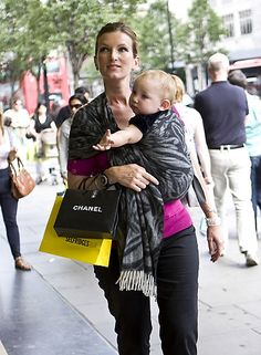 Who knew baby wearing could be so stylish?!