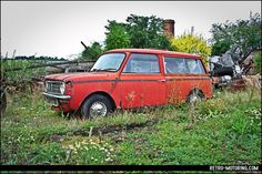 mini clubman travaler Car Barn, Mini Clubman, Rusty Cars, Abandoned Cars, Barn Finds, Ghosts, Classic Cars, Models, Explore