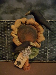 ★ Primitive Lg Flower w/ crows Bobbin - birdhouse tag doll - 11 x 7 in. --★