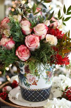 Midwinter Flowers and Tablescape | ©homeiswheretheboatis.net #winter #flowers #tablescape