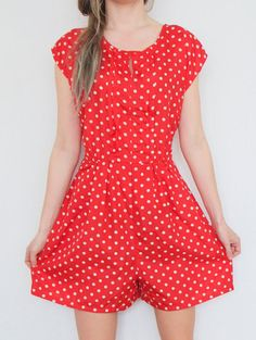 Romper jumpsuit with short legs in polka-dot style sailor summer red with white dots, elegant L/XL vintage overall Jumpsuits onesie pockets