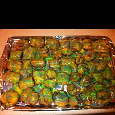 King Cake 'Bites' Ingredients- 1 can pillsbury french loaf (found in refrigerated section); purple, green, yellow food coloring Directions- remove l. Just Desserts, Delicious Desserts, Dessert Recipes, Yummy Food, Tasty, Holiday Treats, Holiday Recipes, Yummy Treats, Sweet Treats
