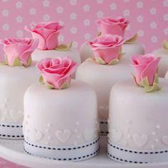 Mini pasteles de boda