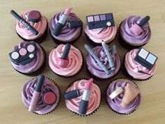 make up cupcakes Cakes To Make, Make Up Torte, Make Up Cake, Cakes And More, Fondant Cupcakes, Fondant Toppers, Cupcake Cookies, Spa Cupcakes, Themed Cupcakes