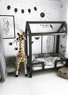 16 Exceptional Montessori Room Ideas For The Boys - mybabydoo Baby Bedroom, Baby Boy Rooms, Baby Boy Nurseries, Baby Room Decor, Nursery Room, Kids Bedroom, White Nursery, Bedroom Ideas, Childrens Bedroom