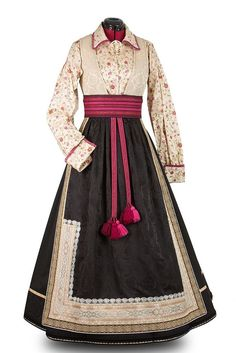 Folk Clothing, Historical Clothing, Norwegian Clothing, Fashion Art, Fashion Design, Folk Costume, Character Outfits, Traditional Dresses, Pretty Outfits
