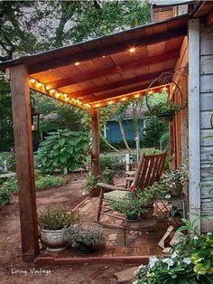 Dan need s to build me one of these out the front instead of the back!I'd love a roof over my benches and table#pergola #garden #gardenideas