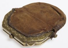 18th Century. Calfskin Sporran with brass clasp, Scottish.  collections.glasgowmuseums.com