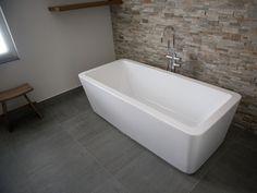 Mooie vloer en muurtegels voor de badkamer