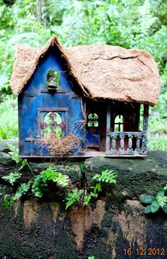 The Dollhouse Diaries: My Maharaja's Palace (beautiful but sadly dilapidated bird house.. see the little bell)