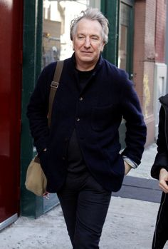 Alan Rickman - apartment hunting in New York | Dec 15, 2008