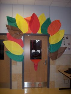 Thanksgiving bulletin boards and door displays Preschool Bulletin, Classroom Bulletin Boards, Classroom Fun, Classroom Organization, Preschool Ideas, Teaching Ideas, Preschool Boards, Classroom Setting, Daycare Ideas