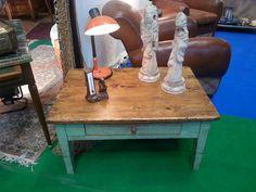Preciosa la tapade de esta mesa Mercadillo de antigüedades de Ascain | Etxekodeco
