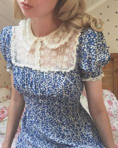 1940s Dresses, Modest Dresses, Pretty Dresses, Vintage Dresses, Dresses For Work, Summer Dresses, Vintage Shorts, Vintage Clothing, 1940s Fashion