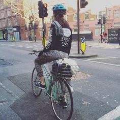 Styling it out Friday #GOSTYLEDOSE Your daily dose of London cycle street style by Jacqui Ma #cyclestyle #cyclechic #bikestyle #cyclestyle #eastlondon #hackney #whyibike #singlespeed #spaceforcycling #instabike #bicycles #fixie #bikeinthecity #bikepretty #mycommute #cyclist #wellplacedbike #streetstyle #baaw by goodordering