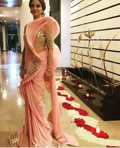 Image may contain: 1 person, standing and indoor Drape Sarees, Saree Draping Styles, Saree Styles, Drape Gowns, Most Beautiful Dresses, Beautiful Saree, Elegant Saree, Elegant Dresses, Indian Dresses