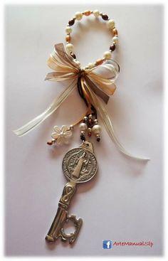 Bendicion con perlas y llave de San Benito