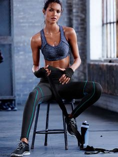 Victoria's Secret Angel Lais Ribeiro (Women) shows off her athletic physique in a photoshoot for Victoria's Secret VSX collection. Lais Ribeiro, Fitness Workouts, Fitness Gear, Female Fitness, Sport Fashion, Fitness Fashion, Fitness Inspiration, Victoria's Secret, Fitness Photoshoot