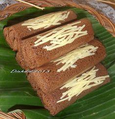 Diah Didi's Kitchen: Dadar Gulung Coklat Isi Pisang Baking Recipes, Cookie Recipes, Snack Recipes, Dessert Recipes, Snacks, Diah Didi Kitchen, Crepes And Waffles, Pancakes, Indonesian Cuisine