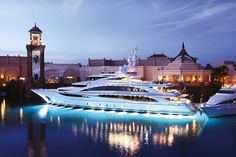 Go on a Yacht.(Have a friend that has a friend that knows a person that owns a yacht hahaha).Diamonds Are Forever Yacht Private Yacht, Private Jet, Yacht Design, Super Yachts, Yachting Club, Grand Luxe, Cool Boats, Small Boats, Yacht Boat