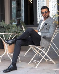 30 Hot Men's Fashion Style Outfit Ideas to Impress Your Girl - Shake that ba. 30 Hot Men's Fashion Style Outfit Ideas to Impress Your Girl - Shake that bacon Trendy Mens Fashion, Mens Fashion Suits, Stylish Men, Men Casual, Casual Styles, Smart Casual, Mens Suits, Blazer Outfits Men, Casual Outfits