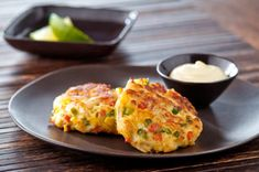 Southern-Style Crab Cakes with Cool Lime Sauce Recipe | Snackworks