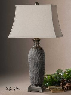 Tricarico Lamp featu