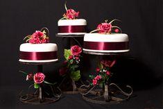 Klaus tortas de boda en blanco y rojo
