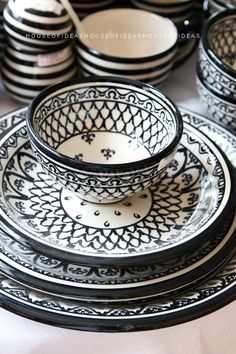 ***black and white plates