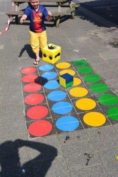 Okul Bahçeleri İçin Ekonomik ve Yaratıcı Fikirler Playground Painting, Playground Flooring, Playground Games, Outdoor Playground, Yard Games For Kids, Diy For Kids, Outdoor Education, Outdoor Learning, Motor Skills Activities