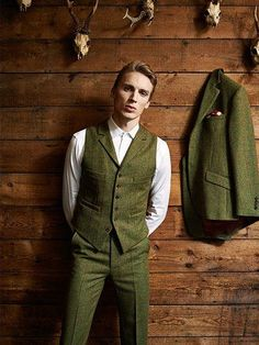 Three Piece Tweed Go well with. Tweed Waistcoat with Lapels. Mens Tweed Suit, Tweed Waistcoat, Tweed Suits, Mens Suits, Tweed Jackets, Groom Suit Tweed, Gentleman Mode, Gentleman Style, Tweed Wedding Suits