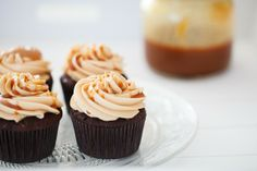 Salted Caramel Cupcakes | Heartshaped.org