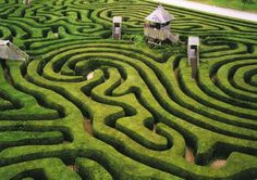 Longleat Maze - better link with info about the house in Wiltshire, England Landscape Architecture, Landscape Design, Garden Design, Illinois, Ontario, Labyrinth Maze, Maze Design, Gothic Garden, Italy Map