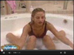 Agnieszka Frytka Frykowska BigBrother w wannie w serwisie www.smiesznefilmy.net tylko tutaj: http://www.smiesznefilmy.net/agnieszka-frytka-frykowska-bigbrother-w-wannie