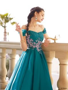 ジャスミン | プリンセスドレス | セカンドコレクション | ディズニー ウエディング ドレス コレクション Junior Prom Dresses, Homecoming Dresses, Wedding Dresses, Dresses For Formal Events, Disney Princess Dresses, Princesas Disney, Green Dress, Blue Dresses, Ball Gowns