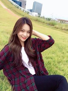 Read × Umji × from the story Extended Play, Pose, Kim Ye Won, Pretty Asian, Foto Instagram, Fandom, Gfriend Sowon, G Friend, Kpop Girl Groups