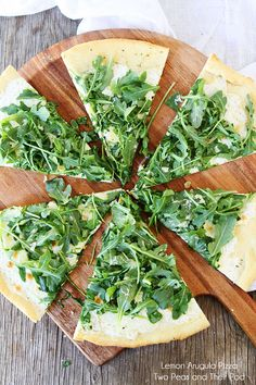 I've yet to meet an arugula recipe I didn't like.Lemon Arugula Pizza Recipe from Canavello Mrasek Canavello Mrasek (Two Peas and Their Pod) Healthy Pizza Recipes, Vegetarian Recipes, Cooking Recipes, Healthy Options, Vegetarian Pizza, Fast Recipes, Lemon Recipes, Summer Recipes, Cooking Tips