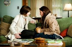 Alice Cullen: Bella, what is that God awful wet dog smell?it's Jacob. Alice Cullen: Jacob who? Bella Swan: Jacob's kind of a werewolf. - New Moon Twilight Saga New Moon, Twilight Film, Alice Twilight, Twilight Breaking Dawn, Twilight Cast, Twilight Pictures, Twilight Movie Scenes, Breaking Bad, Alice Cullen