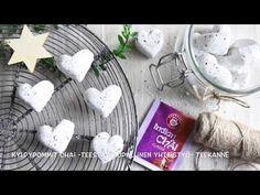 Kodin Kuvalehti – Blogit | Ruususuu ja Huvikumpu – Tee itse jalkakylpypommit Chai -teestä. Mausteinen tee tekee jalkakylvystä virkistävän ja kylpy lämmittää jalkoja mukavasti talvi-iltoina Chai, Valentines Day, Essential Oils, Make It Yourself, Diy, Teapot, Valentine's Day Diy, Bricolage, Do It Yourself