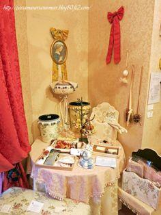 2014年6月 フェアショールーム***「Chez Mimosa シェ ミモザ」   ~Tassel&Fringe&Soft furnishingのある暮らし  ~   フランスやイタリアのタッセル・フリンジ・  ファブリック・小家具などのソフトファニッシングで  、暮らしを彩りましょう     http://passamaneriavermeer.blog80.fc2.com/