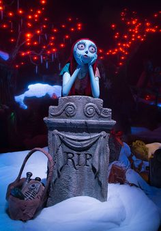 Halloween Time at the Disneyland Resort Begins Today with New Spooky Spectres in Haunted Mansion Holiday at Disneyland Park | Disney Parks Blog