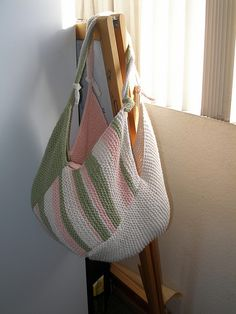 Windmill Bag by Danielle LaFramboise - free -LOVE LOVE The colors.  The pattern is for knitting, but it would be easy to convert to crochet.