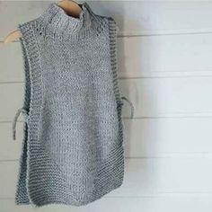 18 stunning yet simple garter stitch knitting patterns – Artofit Knitting Stitches, Knitting Designs, Free Knitting, Baby Knitting, Knit Vest Pattern, Knitting Patterns, Crochet Clothes, Diy Clothes, Tricot Simple