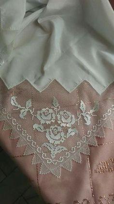 Bohca Filet Crochet, Crochet Art, Crochet Patterns, Cross Stitch Needles, Cross Stitch Embroidery, Hand Embroidery, Needle Lace, Needle And Thread, Sweet Sixteen Dresses