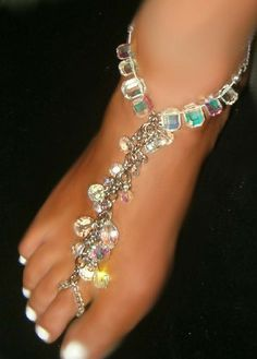 Over the Top in Class swarovski Austrian Crystal Barefoot Anklet | I really want to invest in some body jewelry and stuff like this. I'm a barefoot kind of girl so why not play them up along with the pedicure now and then?