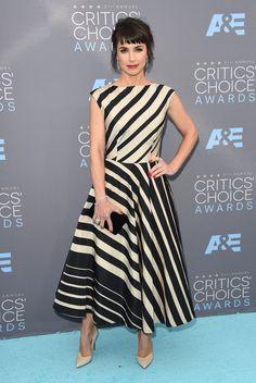 Pin for Later: Ne Manquez Pas un Seul des Looks Vus aux Critics' Choice Awards Constance Zimmer